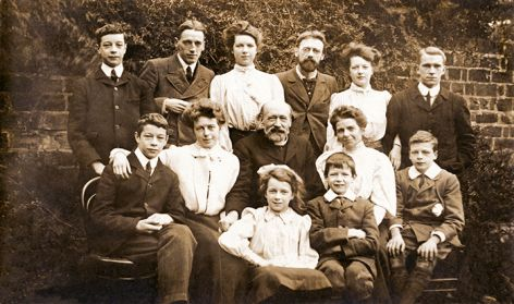 Gill family photo, around 1905.
