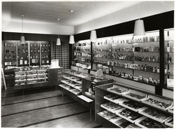 Perfume Shop For OY Stockmann AB Designed By Olof Ottelin 1949