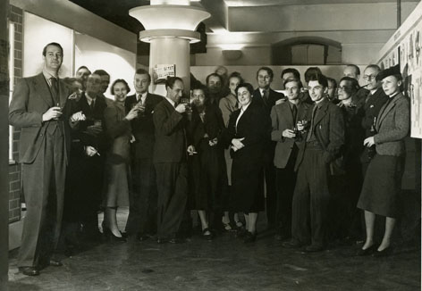 Natasha Kroll and other Reimann School staff, c. 1938, University of Brighton Design Archives