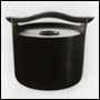 'Enamelled iron stew pot with wooden handle, designed by Timo Sarpaneva' (1961). Catalogue number: DCA-30-1-DOM-KI-IL-1. Design Council Archive / University of Brighton Design Archives.