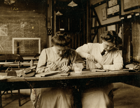 students engraving